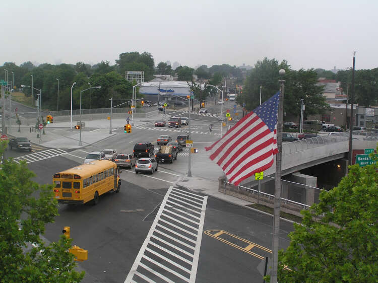 NYSDOT-BRIDGE AT EAST TREMONT AVENUE OVER THE CROSS BRONX EXPRESSWAY